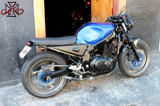 Icone Cafe Racer